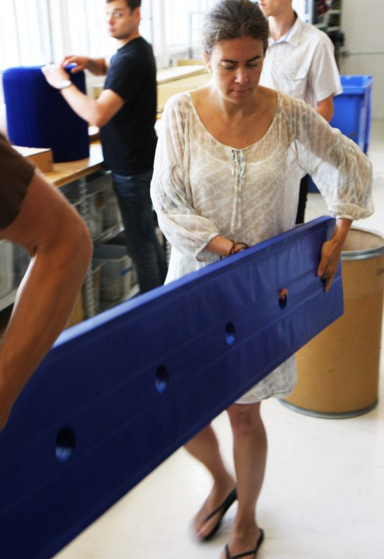 stephanie forsyt Todd MacAllen collectie molo design softwall compact indigo blauw werkplaats molo design kamerscherm scheidingswand